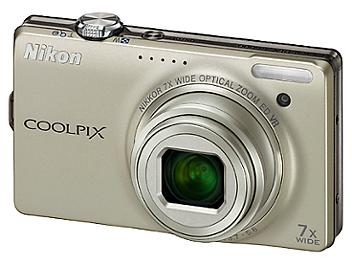 Nikon Coolpix S6000 Digital Camera - Silver